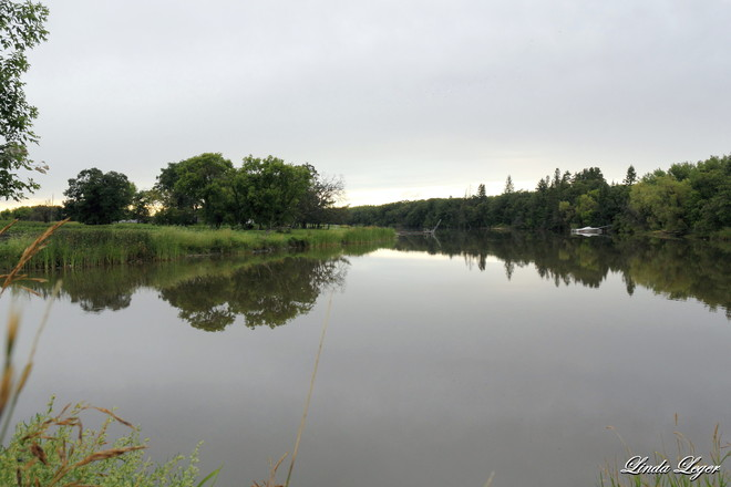 Netly Creek Mirror Selkirk, Manitoba Canada