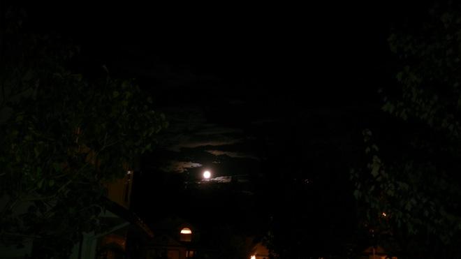 Full moon... Abbotsford, British Columbia Canada