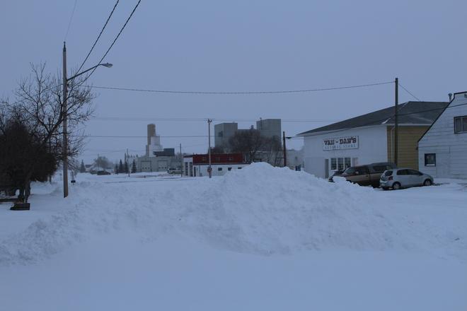 glenwood digs out Glenwood, Alberta Canada