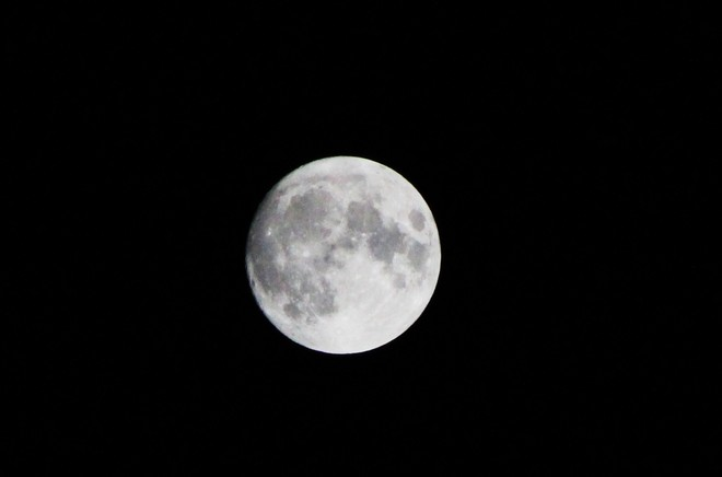 bright moon / jupiter Ottawa, Ontario Canada