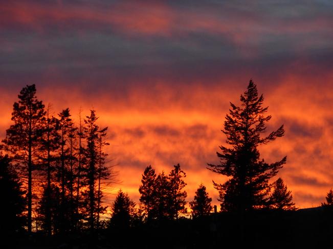 RED SKY AT NIGHT Cranbrook, British Columbia Canada