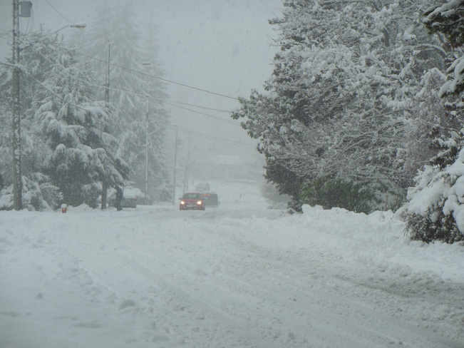Snow continues to fall in Nanaimo Nanaimo, British Columbia Canada