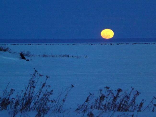 MARCH FULL MOON Thunder Bay, Ontario Canada