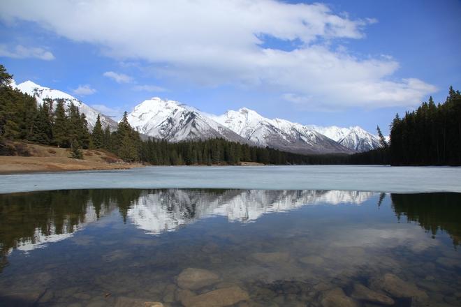 Johnson Lake Banff, Alberta Canada
