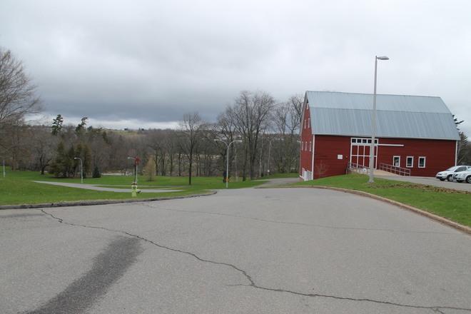Kentville. Do you know this Red Barn? Kentville, Nova Scotia Canada