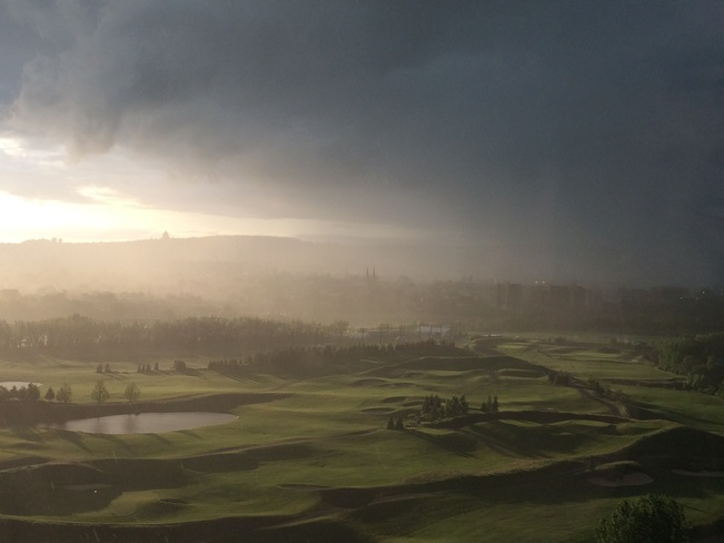entre soleil et orage Verdun, Québec Canada