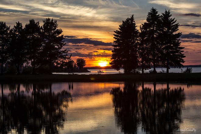 Sundown at Andrew Haydon Park Andrew Haydon Park, Ottawa, ON