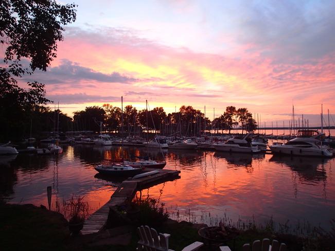 sunset over HYC Hudson, QC