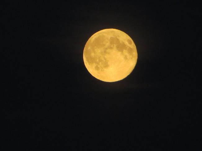 Super Moon North Battleford, SK