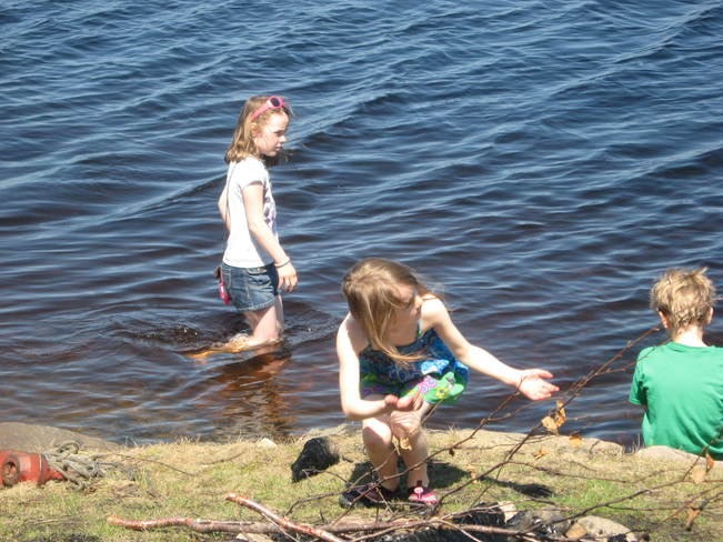 Three Kids Playing Thunder Bay, ON