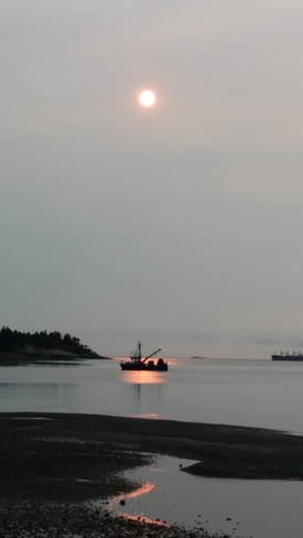 Red Sun in Departure Bay Nanaimo Nanaimo, BC