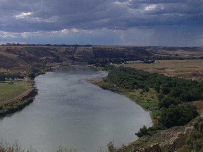 River Valley near Echodale..... Redcliff, Alberta Canada