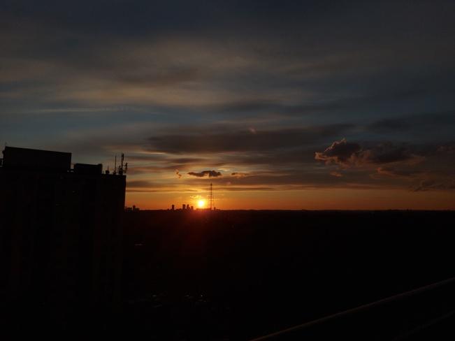 Sunset Hillcrest Village, ON