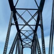 Swing bridge