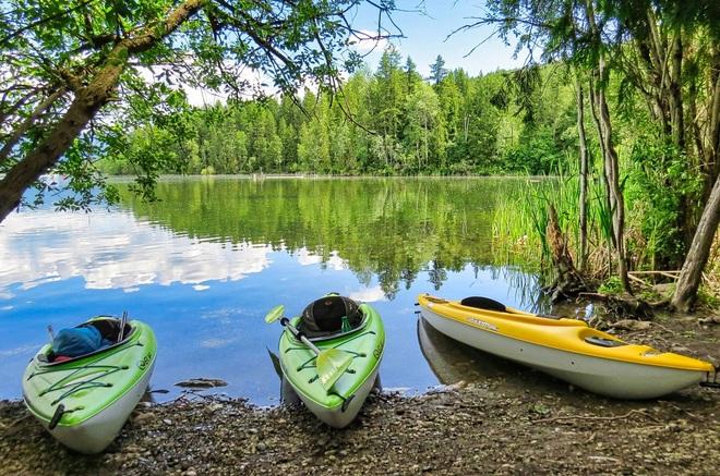 Gardom Lake Gardom Lake, Columbia-Shuswap D, BC
