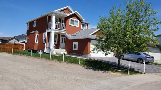 beautiful house Calgary, AB