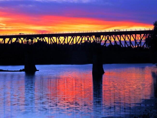 Sunset 150 Water St N, Cambridge, ON N1R 3B6, Canada