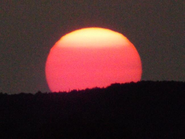 SUN SET at 9;45 pm 901 Island Dr, Thunder Bay, ON P7C 5Z3, Canada