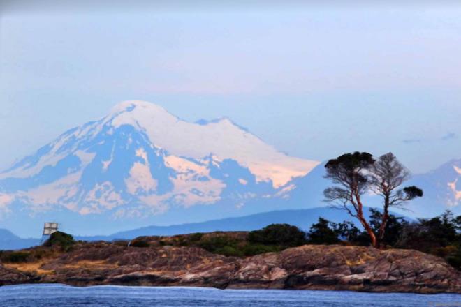 2018-07-24 - Mount Baker, during a whale watching trip, from Haro Strait Haro Strait, Washington, USA