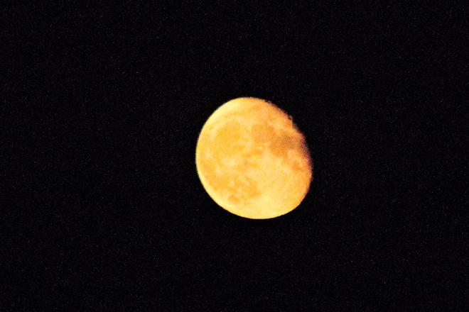 Moon looked awesome tonight! Stoney Creek, Ontario, CA
