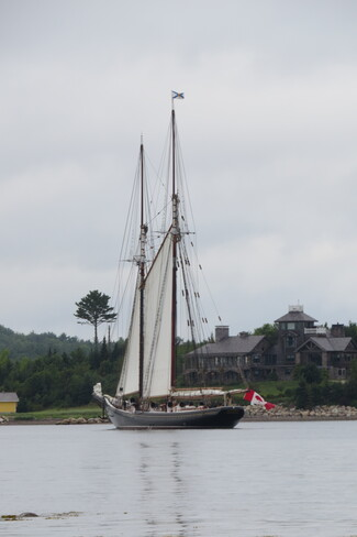 Bluenose II Mahone Bay, Nova Scotia