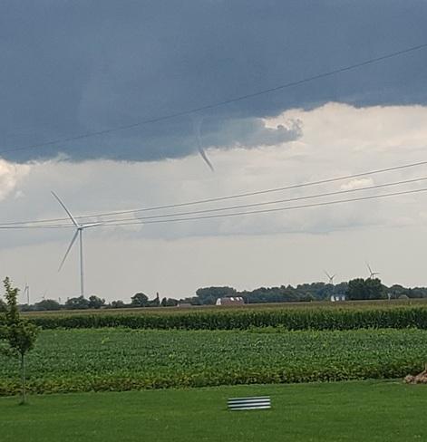Baby tornado Lakeshore, ON