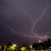 Bracket lightning