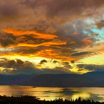Sunset over Kelowna looks like a painting