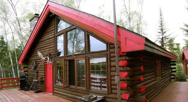 Log Cabin Mont-Tremblant, Quebec Canada
