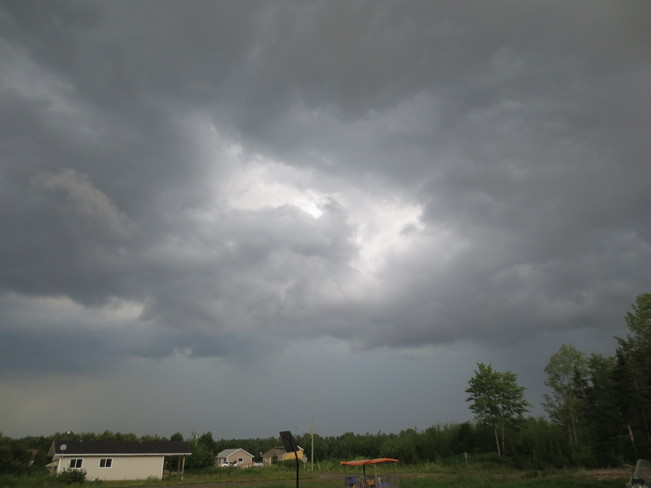 Storm's a brewing! Nipissing 10, Ontario Canada
