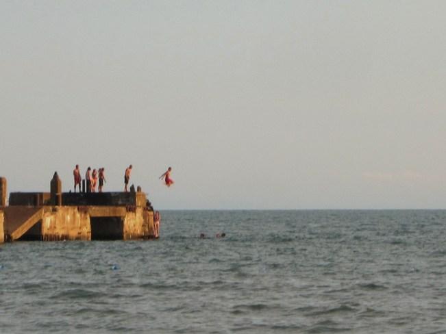 Beach Boys Diving!
