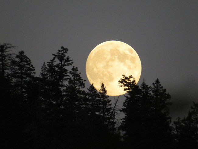 moon Barriere, British Columbia Canada