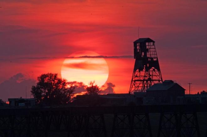 #8 MineTipple Sunset Lethbridge, Alberta Canada