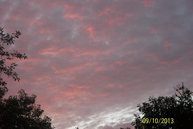 Pink Sky Smilin' @ Me Shelburne, Nova Scotia Canada