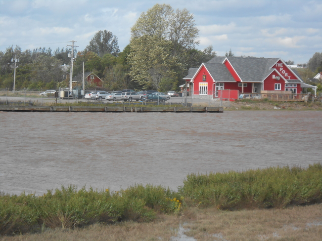 wowzers look at the tide Canning, Nova Scotia Canada