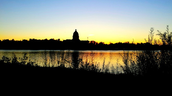 A peaceful walk around Wascana Regina, Saskatchewan Canada