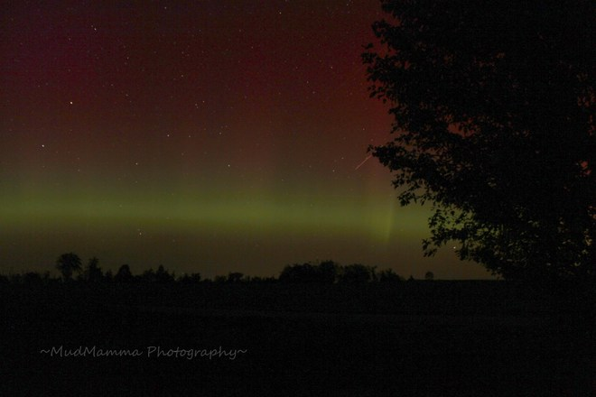 Northern Lights with Fireball! Brussels, Ontario Canada