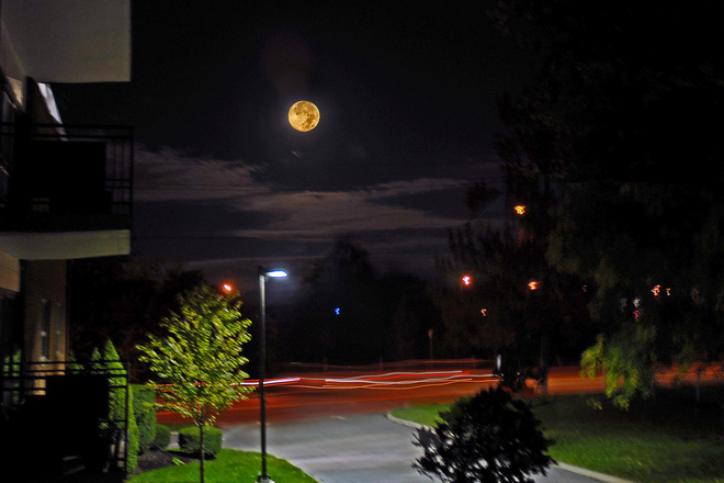 Moonset St. Catharines, Ontario Canada