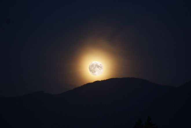 Moonrise with a full moon Chilliwack, British Columbia Canada