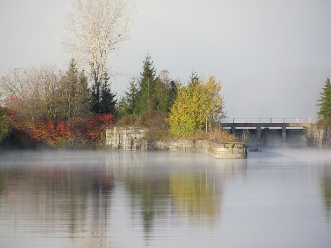 Misty Morning at old Cornwall Canal
