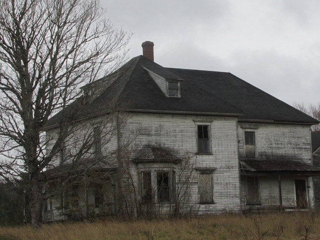 This old house .. seen it's days Turtle Creek, New Brunswick Canada