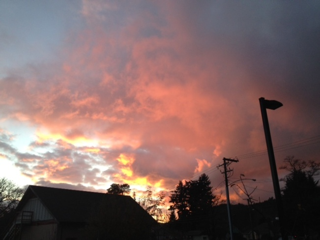 CLOUDS ON FIRE Langford, British Columbia Canada