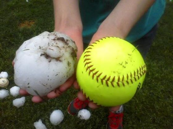 BEN** Texas Gets Pounded By Softball Sized Hail/High Winds/Flooding