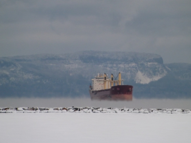 SHIP HAVING A STEAMER IN -30 WEATHER Thunder Bay, Ontario Canada