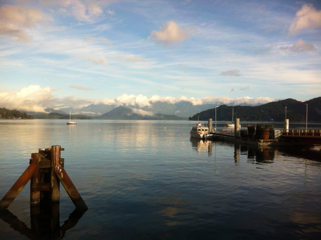 Sunny and 10 C in Gibsons Gibsons, British Columbia Canada