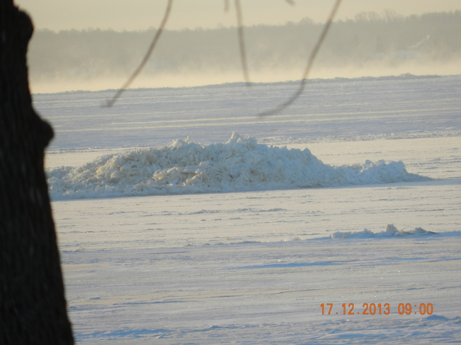 ice mount lac st louis 2 Pointe-Claire, Quebec Canada