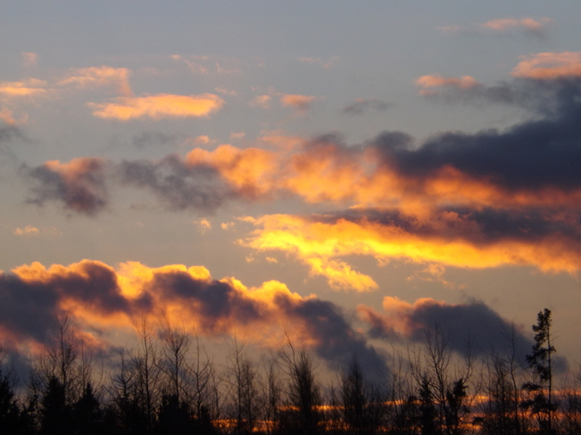 CHRISTMAS DAY SUNSET Thunder Bay, Ontario Canada