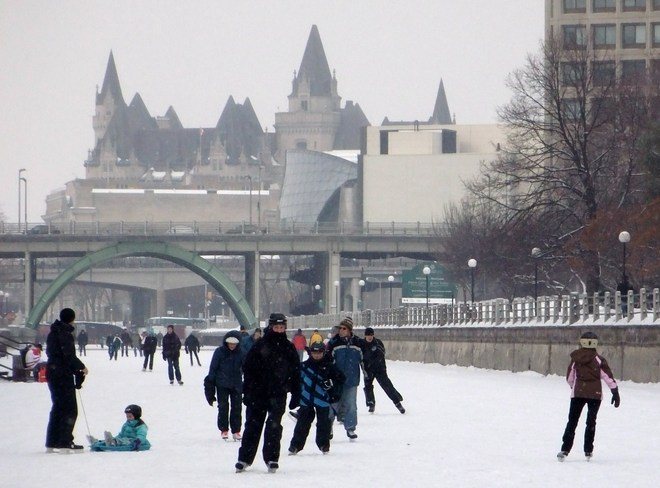 Rideau Canal re-opens Ottawa, Ontario Canada