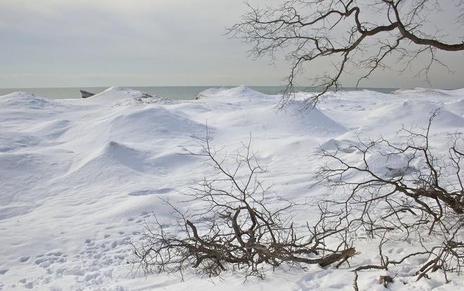 A lumpy Bumpy Lake Ontario Shoreline! Port Hope, Ontario Canada