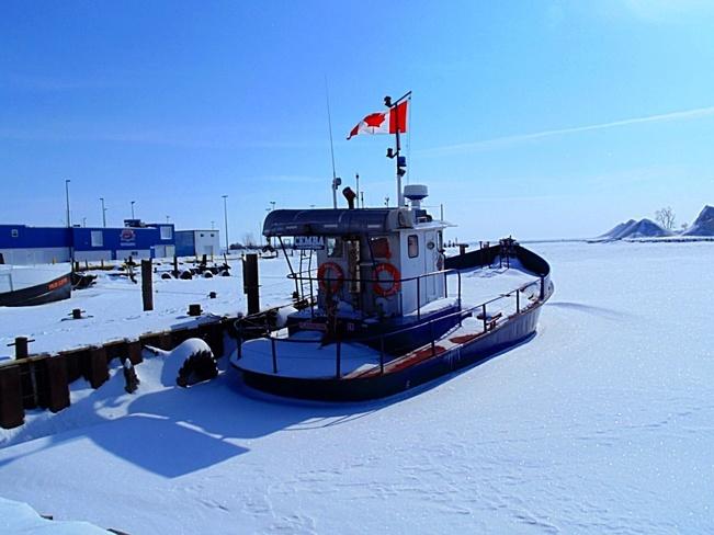 Ice Locked North Ridge, Ontario Canada